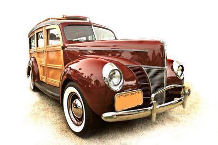 BKR appraisers St. Louis, antique cars, antique clocks, antique pocketwatches,antique glass, antique engagement rings