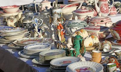 BKR Appraisers St. Louis MO, antique glass, antique engagement rings,antique china, antique chair, antique lamp, antique pocket watch, antique glassware